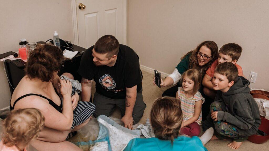 A beautiful family homebirth